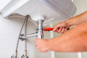 professional local plumber provides plumbing service and repair